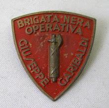 lo scudetto della Brigata nera che doveva essere la punta di diamante dello schieramento fascista