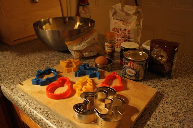 DIY: Gingerbread men @owlprintpanda.blogspot.co.uk