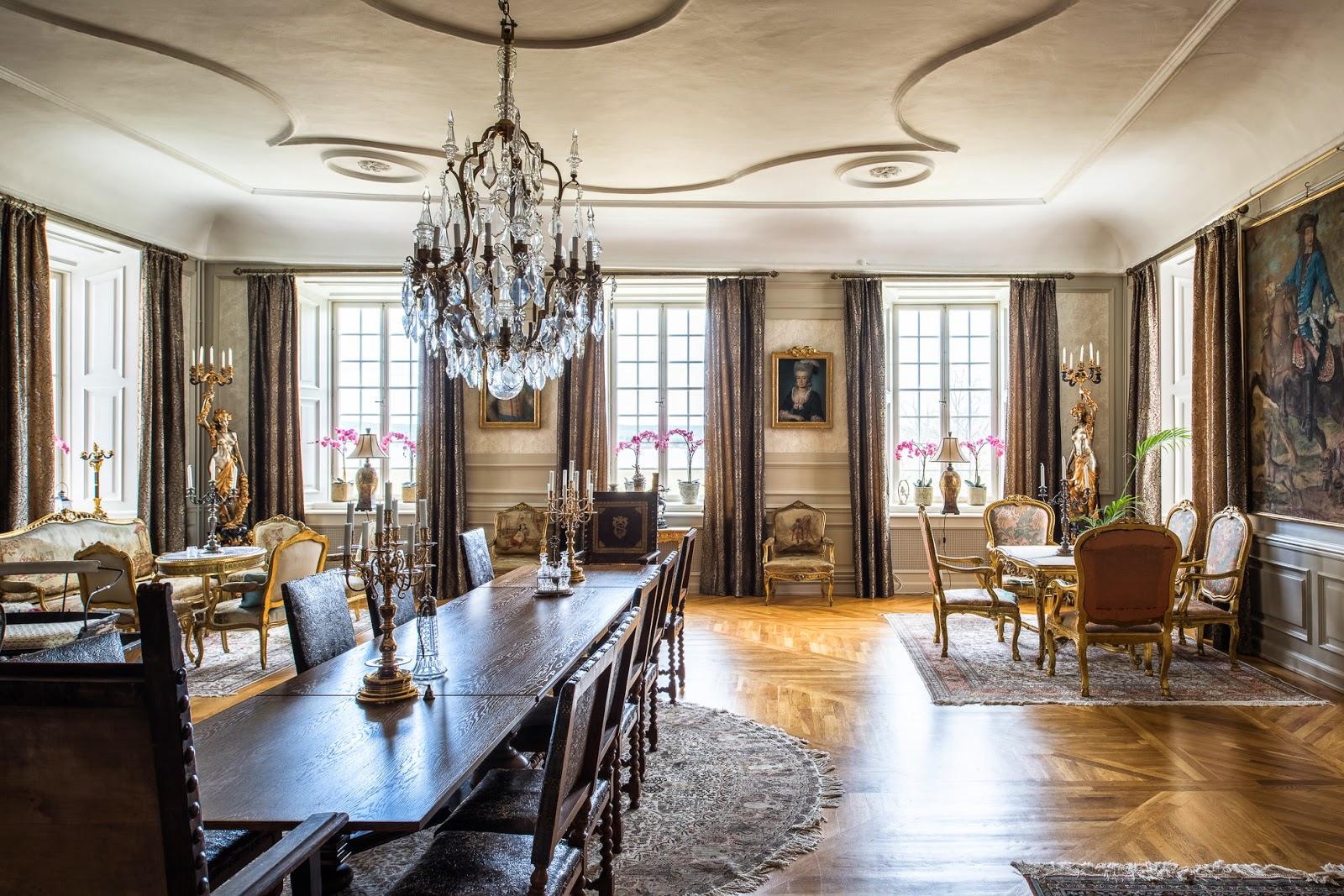 VÄlkommen hem!: nu Är slottet till salu!