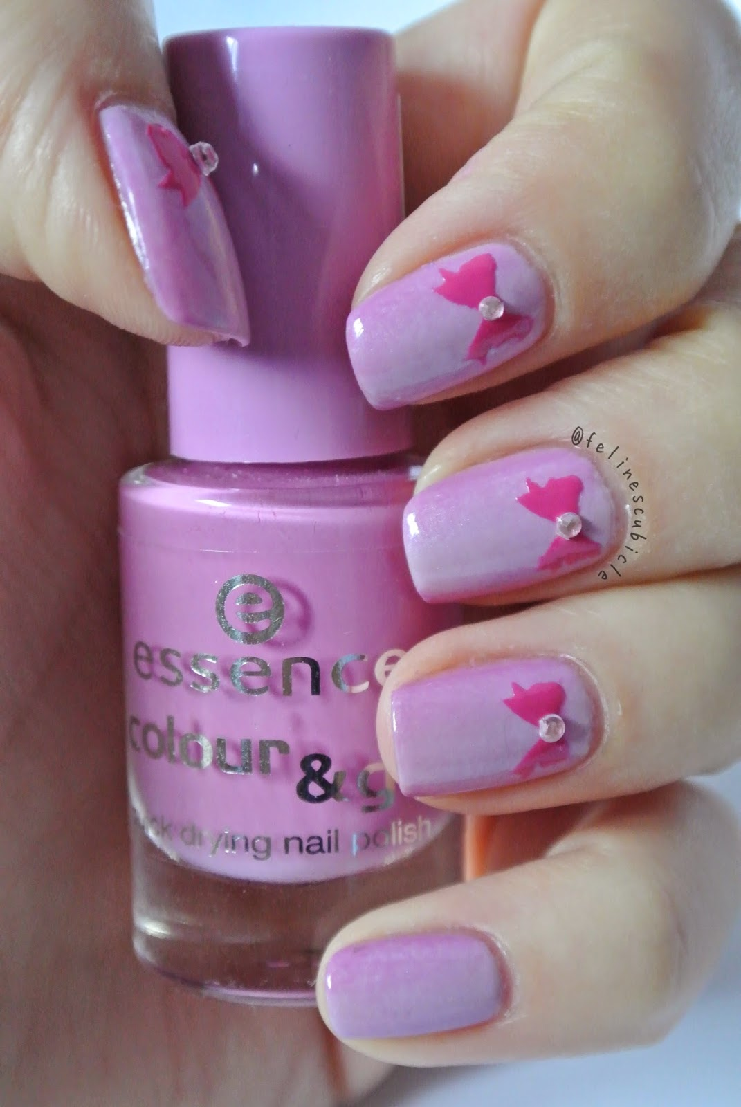 Nail Art: Super girly nails wrapped with a bow | the feline\'s claws