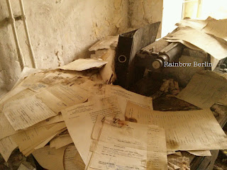 Documents abandonnés dans l'ambassade d'Irak