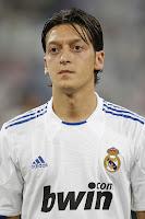Ozil Percaya Madrid Bakal Bangkit