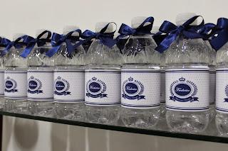 Água personalizada menino azul com lacinho
