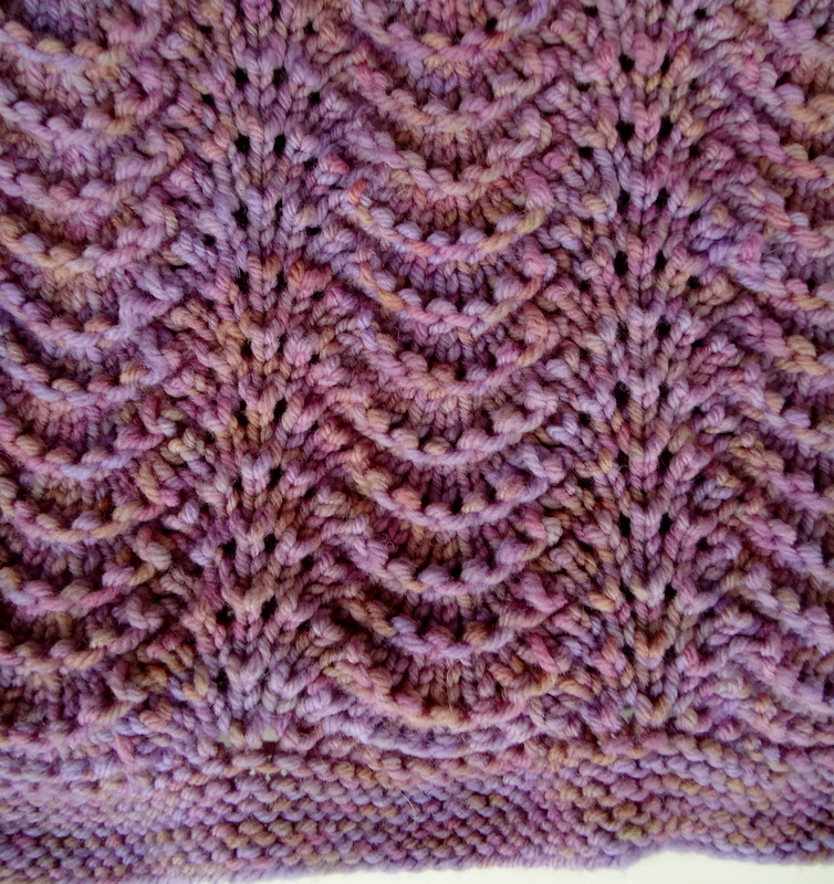 Fan And Feather Knitting Pattern For Baby Blanket : Bitten by Knittin...: Feather and Fan baby blanket