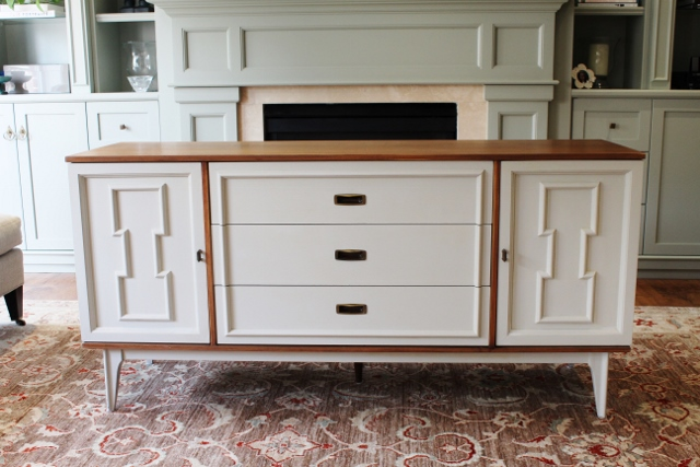 Elegant Vintage Bassett Furniture Sideboard