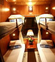 Cabin ốp gỗ tàu Hoàng Gia train