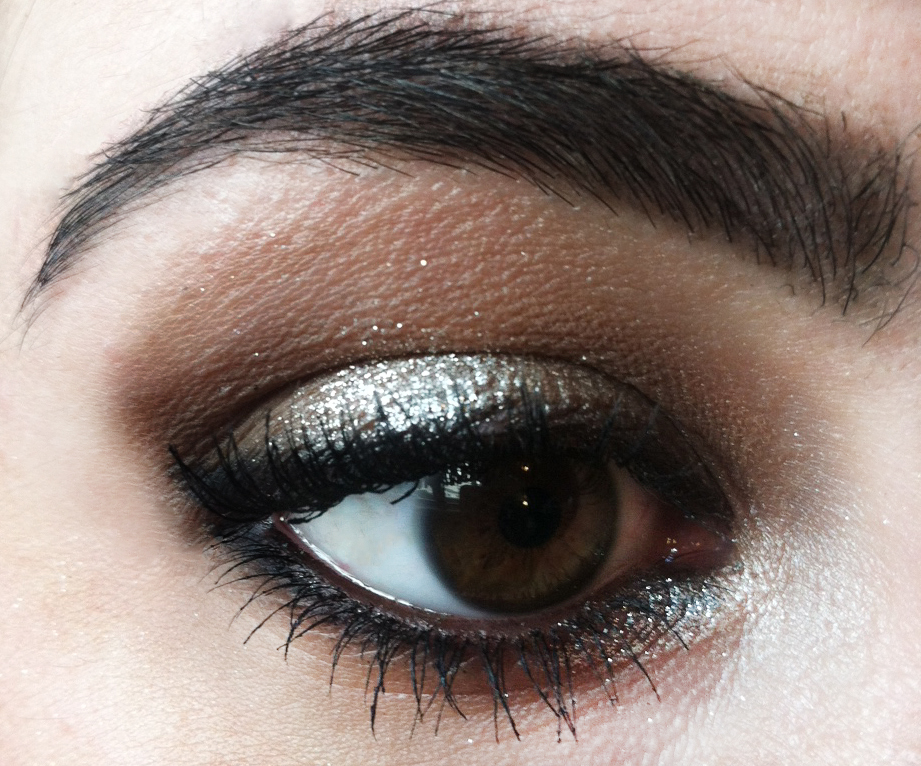 12 Days Of Holiday Makeup Day 5 Silver Smokey Eye Makeup Beauty