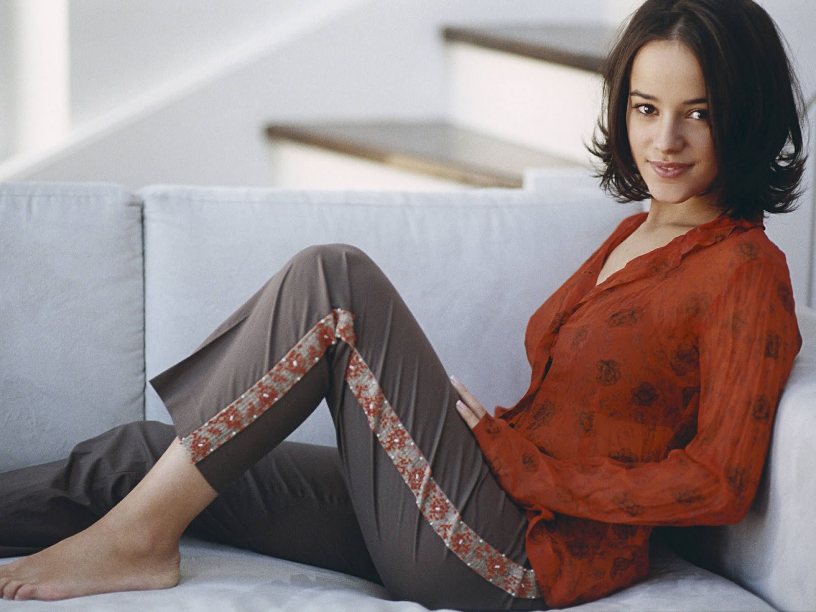 Wallpaper India: 30 French Singer Alizee Beautiful Girl HD Wallpapers