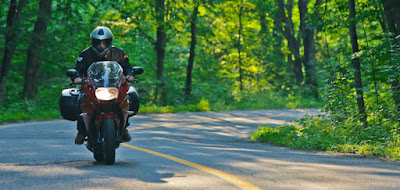 touring motor seorang diri