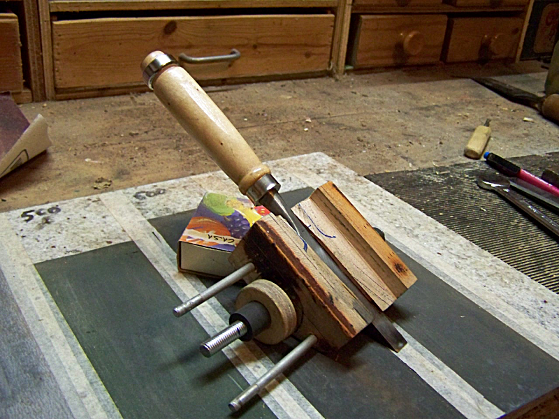 how to make a jig to sharpen wood lathe chisels