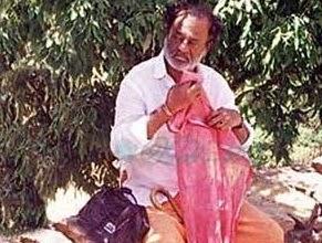 Rajnikanth Mistaken for a Beggar | Get Rs.10