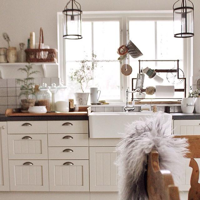 Deco una cocina con sabor a ejo al detalle virlova style - Cocinas vintage blancas ...