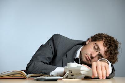 mansleepingatwork النوم الصحي وعلاقته باضطرابات النوم , اسباب الاضطرابات وعلاجها