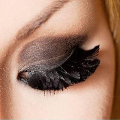 Black Feathery Eye Makeup