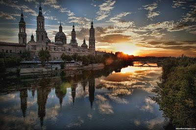 Zaragoza Wonderful Atmosphere Basilica Of Our Lady Of The Pillar Spain Hd Desktop Wallpaper
