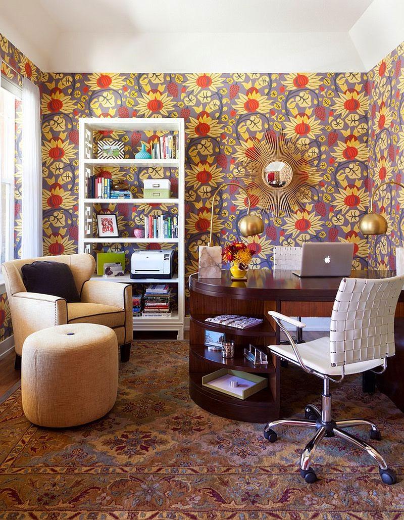 Bureau à domicile Midcentury avec du papier peint snazzy