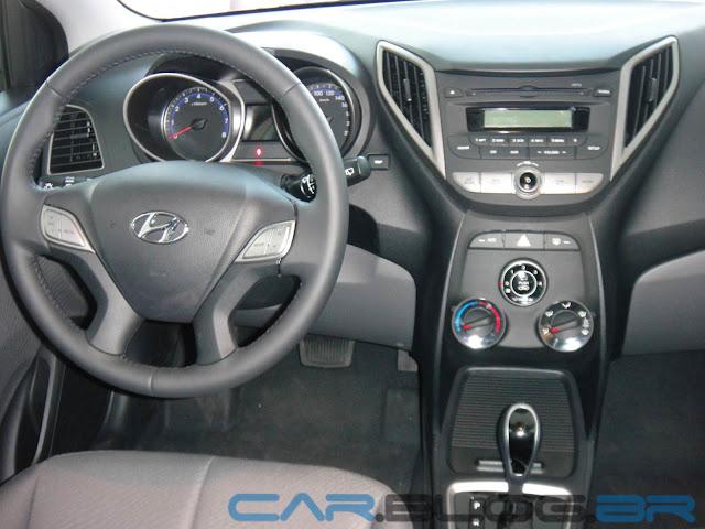 """Hyundai HB20 - painel não é de """"categoria superior"""""""