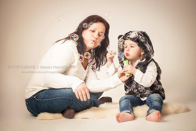 fotografie tereza hlaváčková, fotografka Karviná, focení dětí a rodin v ateliéru