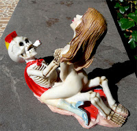 Figura Resina Afrodita y Exqueletor.