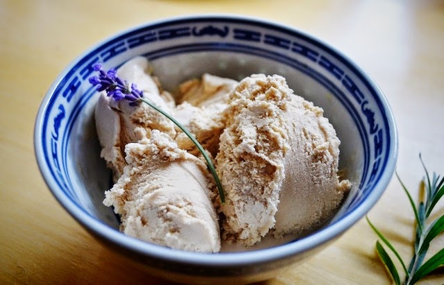 http://www.findingjoyinallthings.com/2014/09/earl-grey-lavender-ice-cream.html
