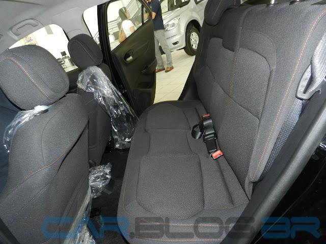 Chevrolet Onix LTZ 2013 - Preto - interior