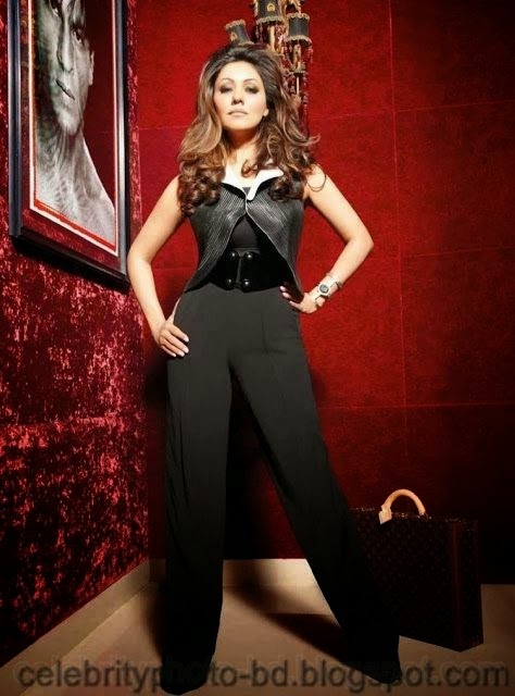 Gauri+Khan's+Latest+Hot+Photo+Shoot+For+Noblesse+India003