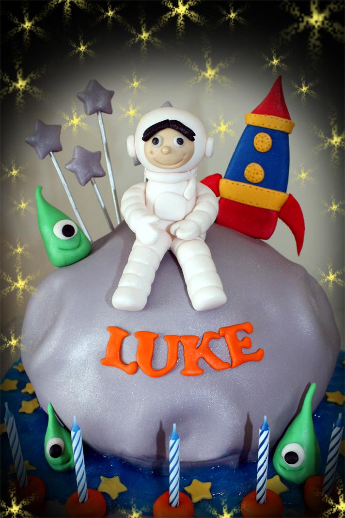 Delana S Cakes Astronaut Cake