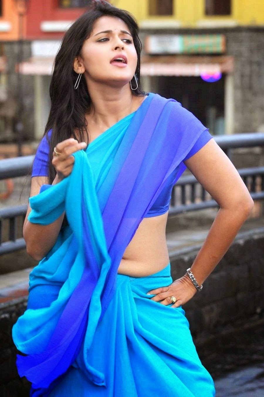 Anushka Shetty Full Hot Photo Gallery   Anushka Shetty Hot Saree ...