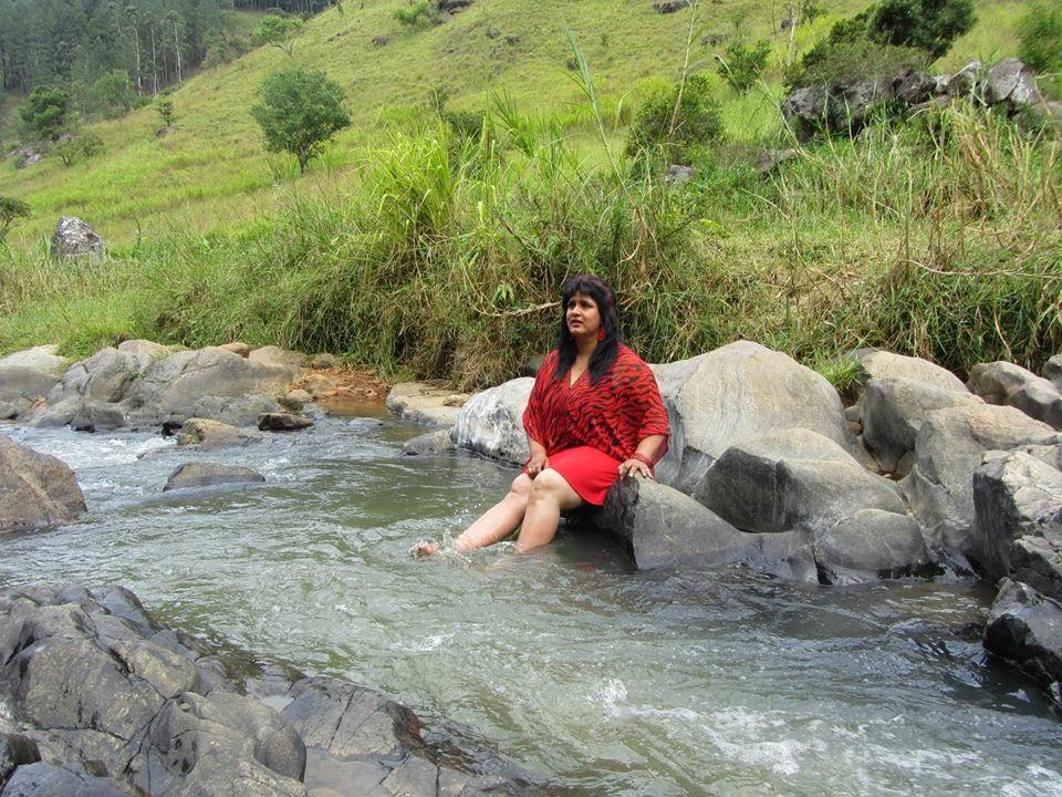 Supiri Andare Sinhala Movie hot...