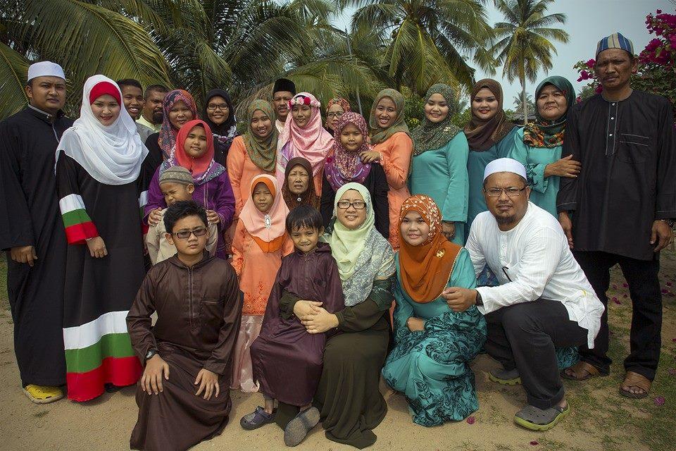 Mak jah Family's
