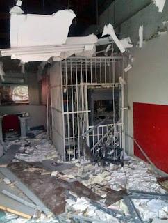 Agência bancária de Olivedos é explodida mais uma vez por grupo de bandidos