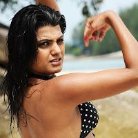 Tashu kaushik bare back and wet