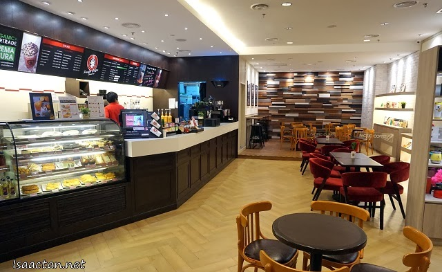 The really comfy interior of Pacific Coffee Sunway Pyramid