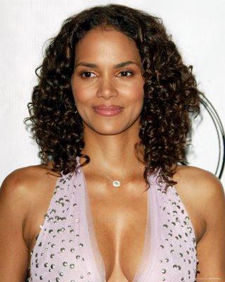 http://3.bp.blogspot.com/-vGdtJbTnxuo/TZ2cZElR8fI/AAAAAAAAJTg/IYpQQ17kJhI/s1600/short_curly_black_hairstyles_short_curly_black_hairstyle%25252B4.jpg