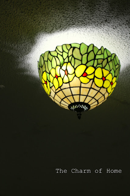 Tiffany Style Flush Mount Light: Parrot Uncle
