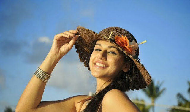 Tapsee Cute Stills In Beach