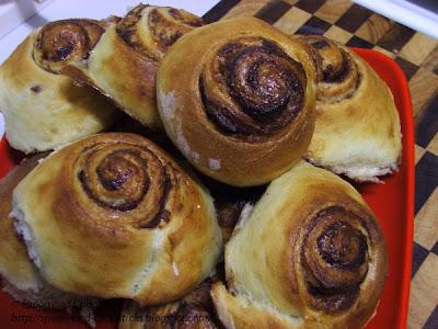 Homemade Cinnamon Rolls/ Buns
