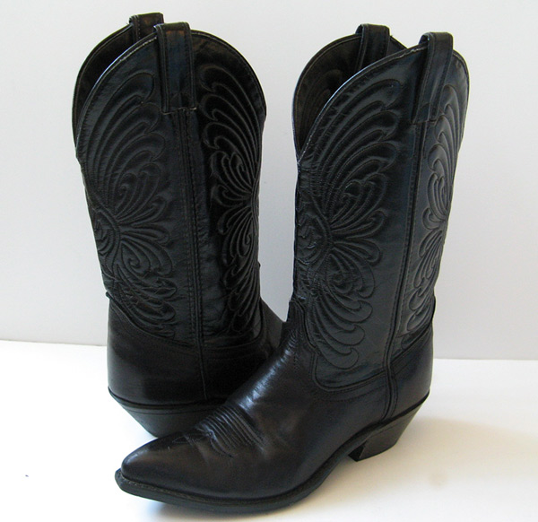 Similiar Black Female Cowboy Boots Keywords