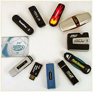 Buy pen drives and memory cards at flat 30% off at Askmebazaar : BuyToEarn
