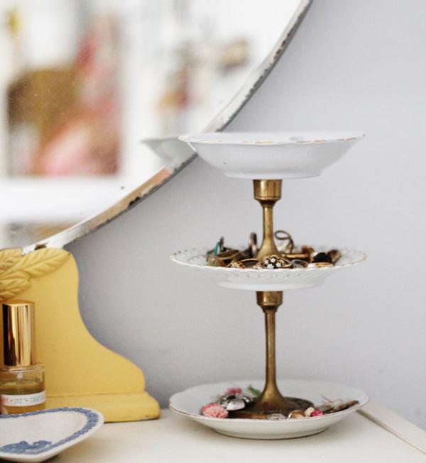 DIY Vintage Plates Jewelry Storage Ideas