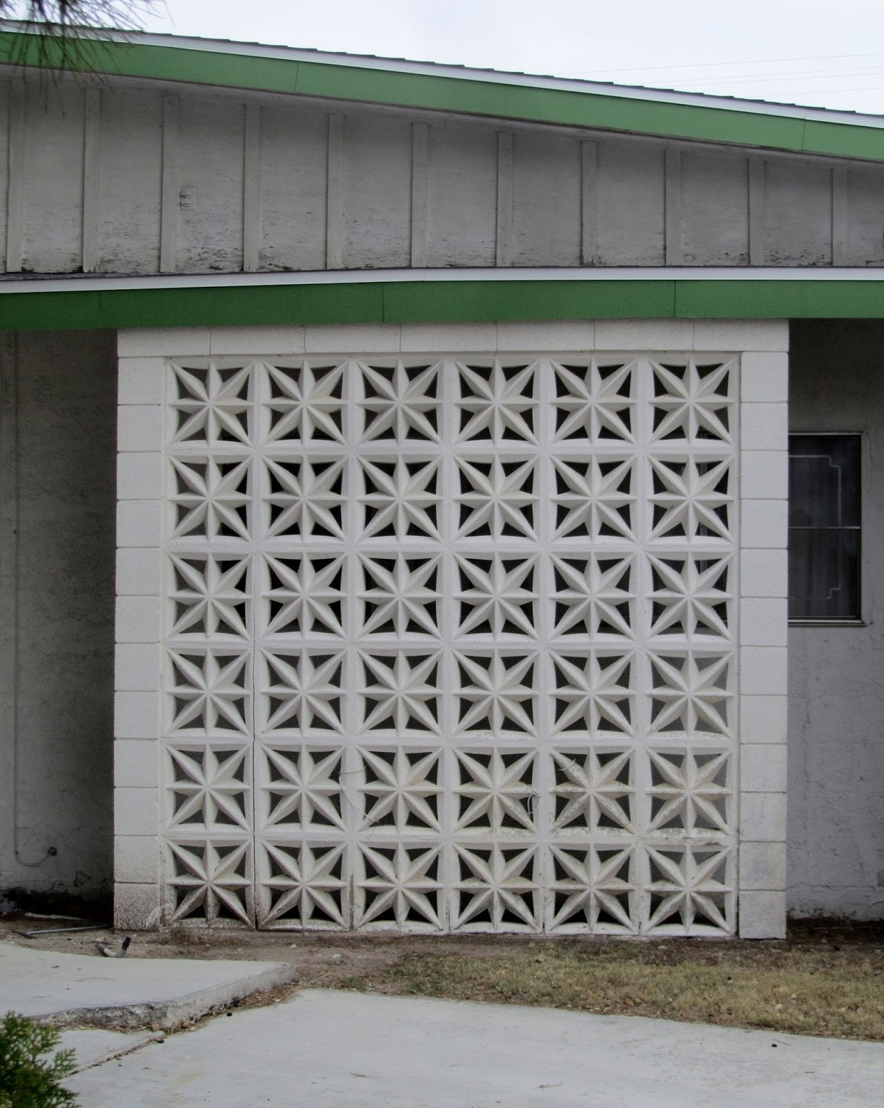 to build retaining a decorative pio wall blocks how concrete sale construction block screen molds prices for decor