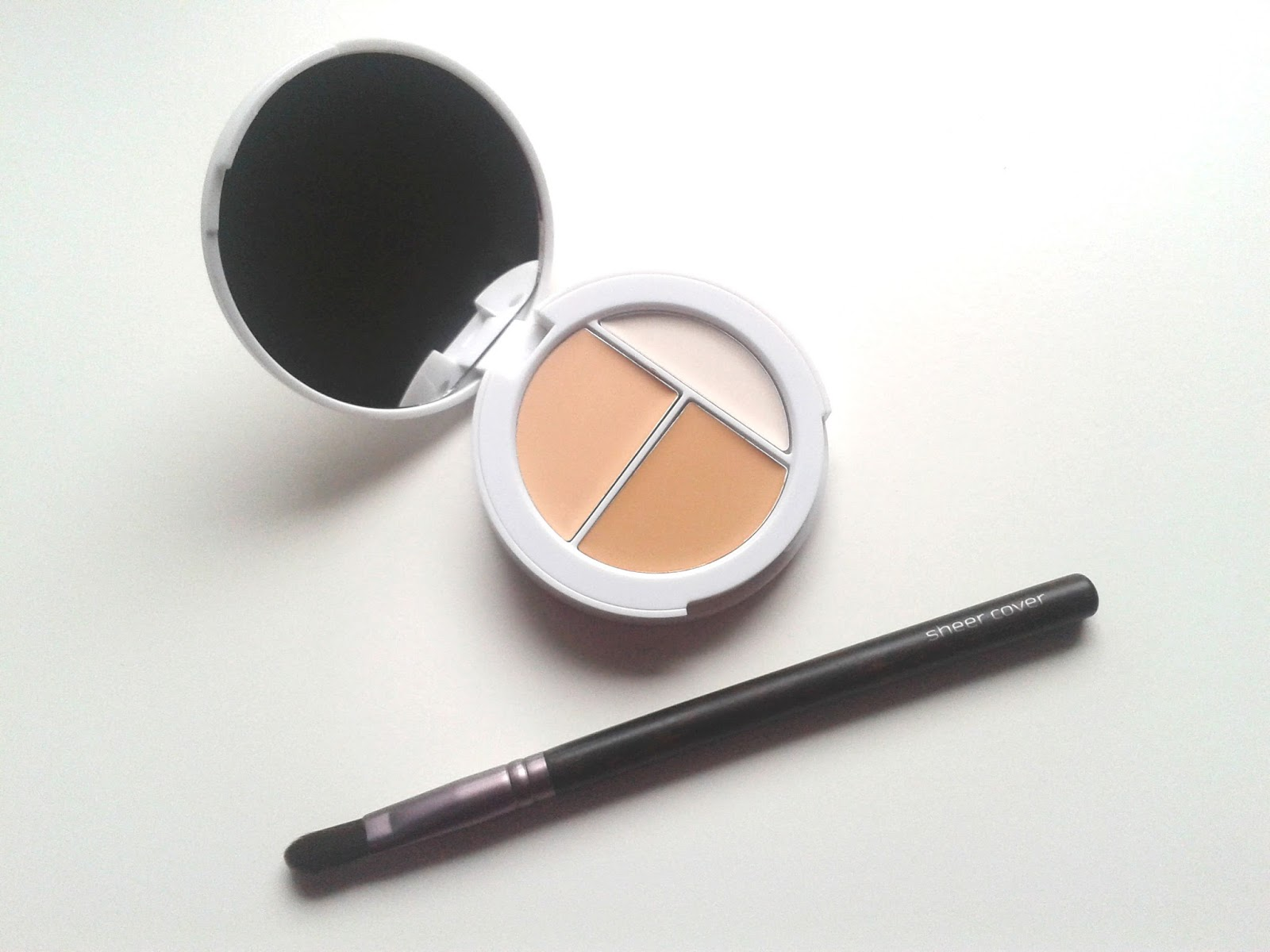 Sheer Cover Studio Concealer Trio Conceal & Brighten Trio