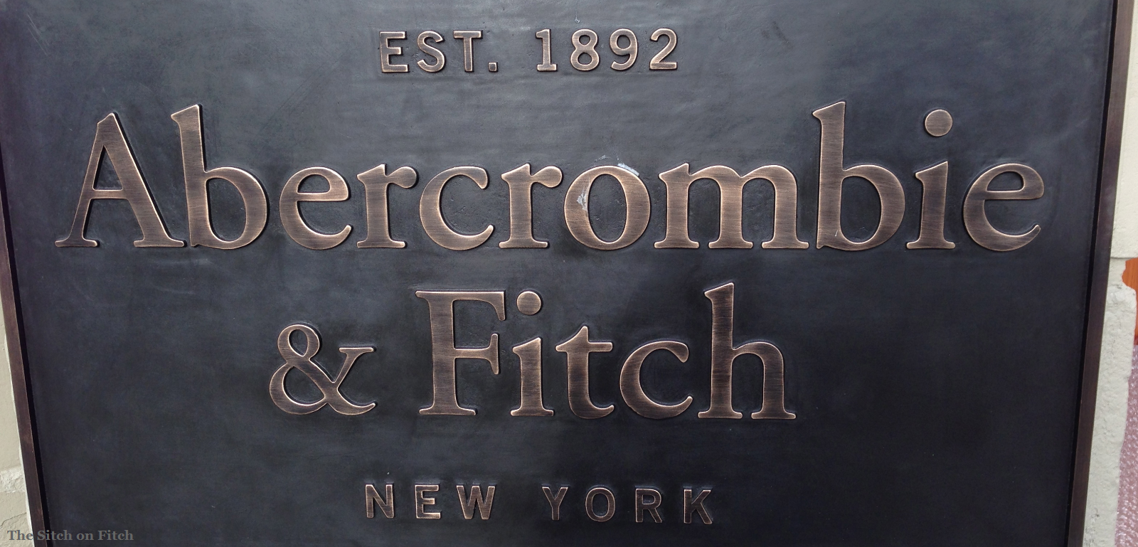 abercrombie and fitch case 3 Abercrombie and fitch case study 6 abercrombie and fitch case study eleanor m thompson southern new hampshire university mkt-222 abercrombie and fitch case study 6 abercrombie and fitch is a retailer specializing in luxury sportswear apparel marketed towards young adults.