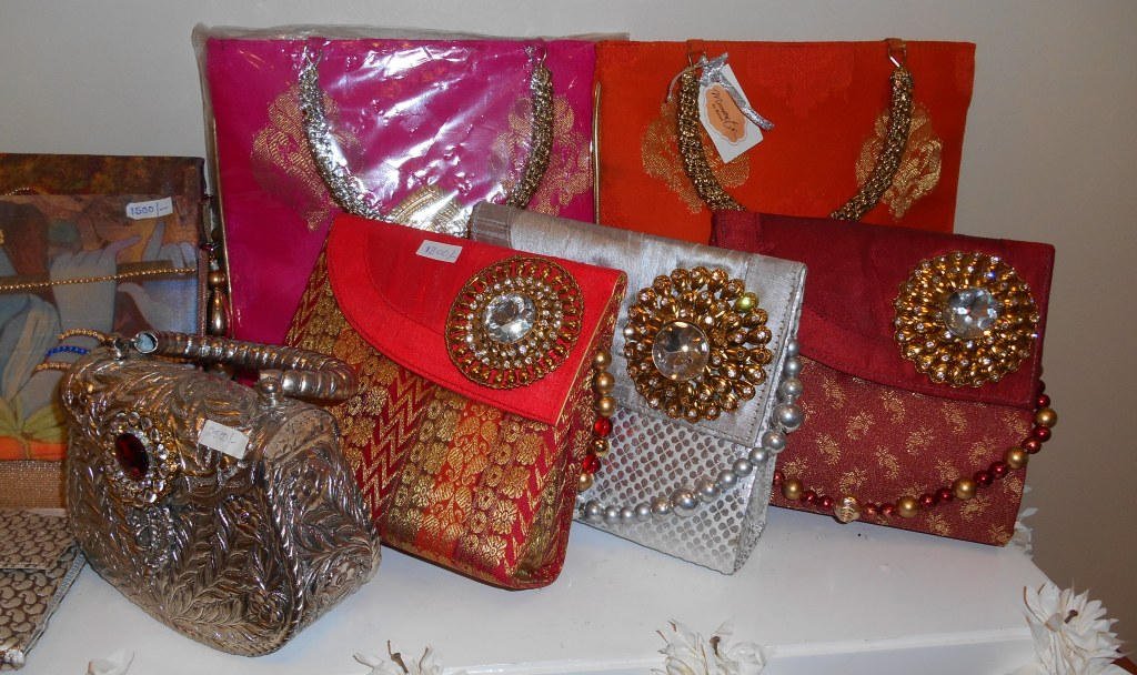 Indian Wedding Gift Bags For Guests : Make Your Wedding Memorable With Moments I Want It All - Indian ...