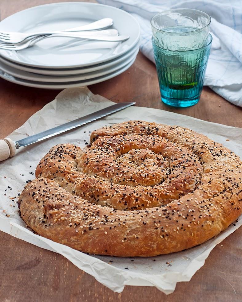 Spiral spanakopita (spinach and feta pie) | supergolden bakes