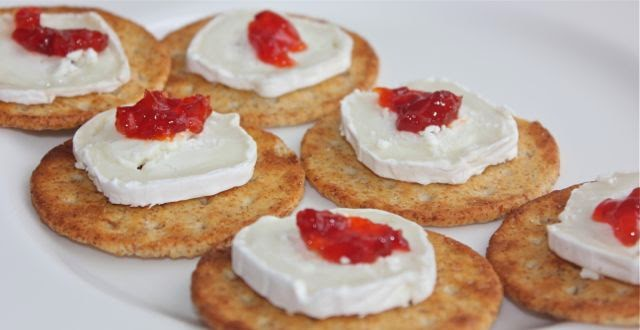 goat's cheese & biscuits