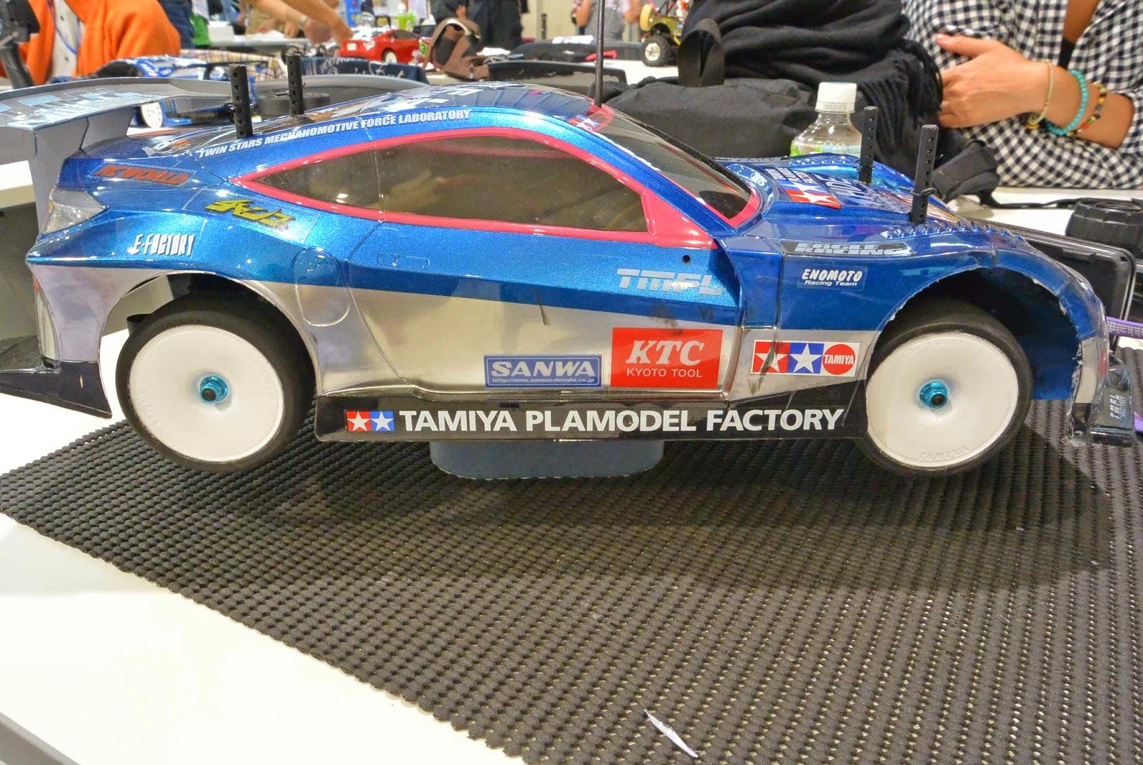 タミヤRCカーHSV TT-02