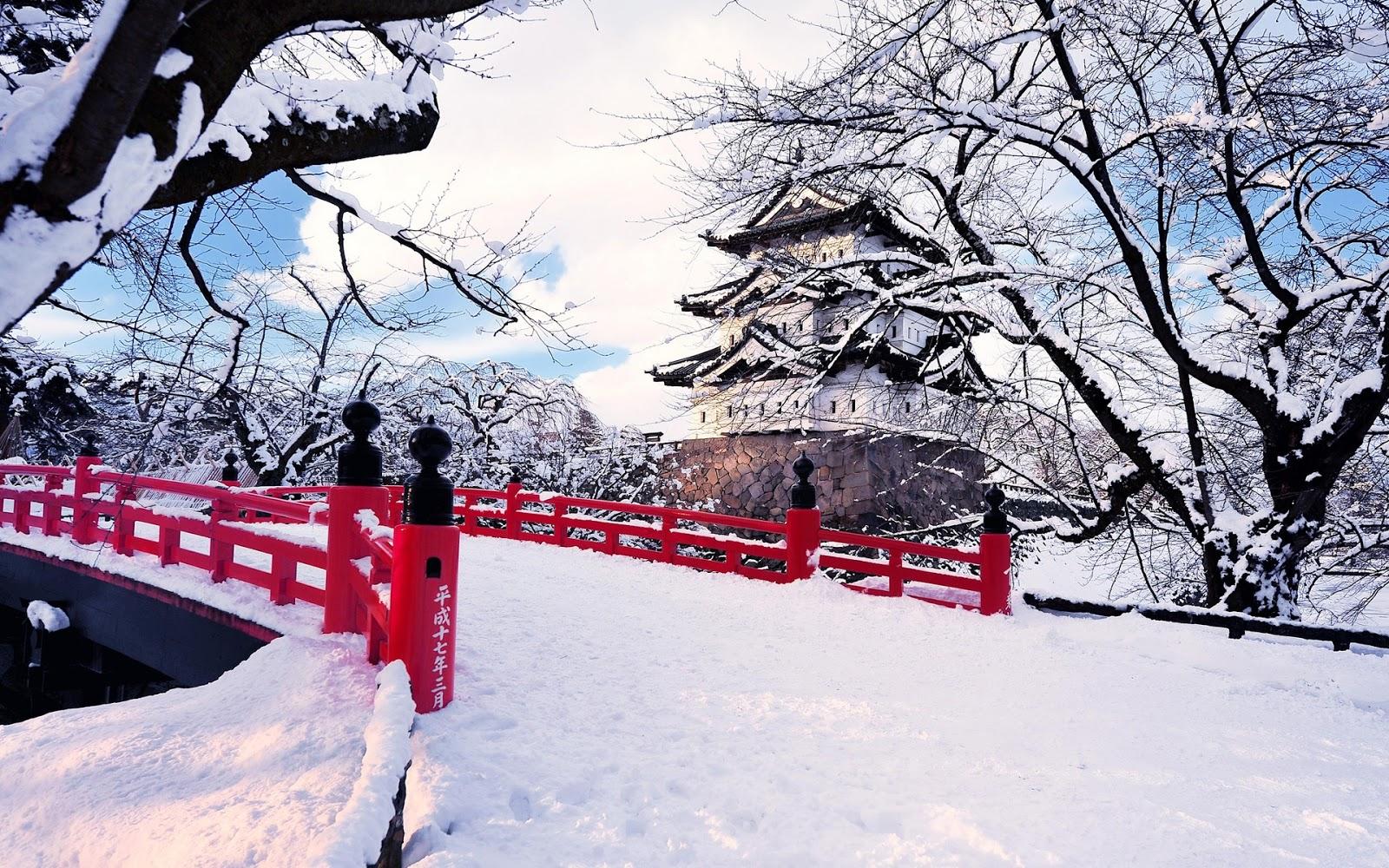 http://3.bp.blogspot.com/-vIWXAM4uXfA/VPKxoXYEygI/AAAAAAAACOs/PpXN7GNg2Eo/s1600/Japan-Aomori-Prefecture-Hirosaki-winter-snow-bridge-castel-ice-trees_1920x1200.jpg