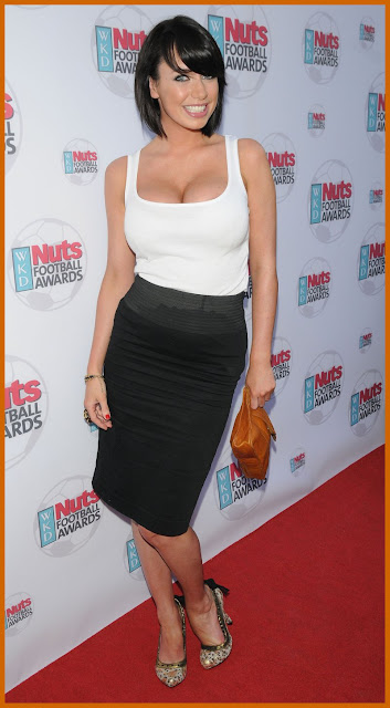 Sophie howard cleavage apologise