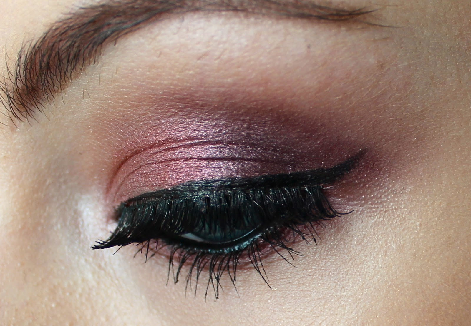 Autumn Eyes Cranberry Sketch Couture Girl